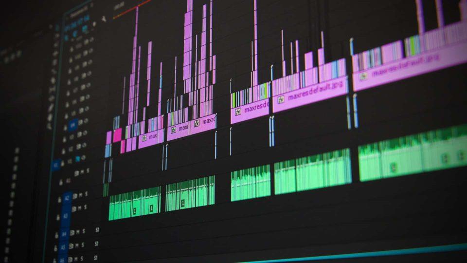映像編集ソフトでテレビCMの編集